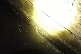 水泥沟逮水蛭抓蚂蟥视频